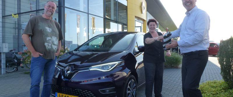 Hans & Pythia blij met elektrische ZOE:  'Weinig onderhoud, geen wegenbelasting'